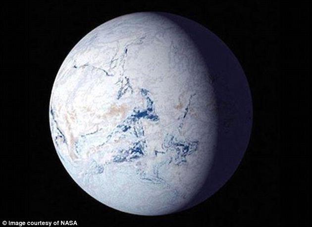 """约7亿1700万年前,一种神秘现象横扫全球,将地球变成了""""雪球""""。而差不多就在同一时期,如今从阿拉斯加到格陵兰岛之间的地区出现了密集的火山活动。"""