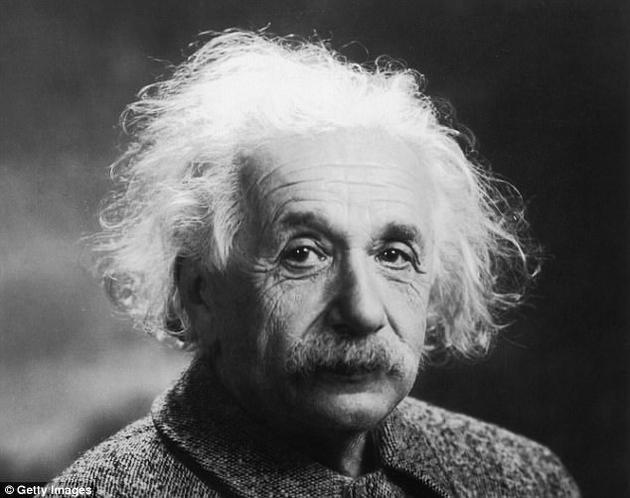"""约100年前,阿尔伯特·爱因斯坦提出了一套饱受争议的量子物理理论,即""""幽灵般的远距效应""""。"""