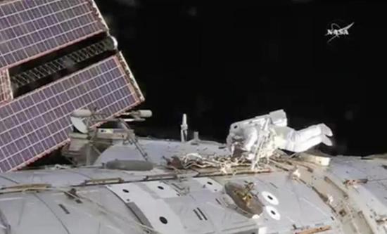 国际空间站元件故障 宇航员紧急出舱两小时修复
